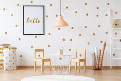 Kind-` s Raum mit Plakat Stockbilder