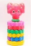 Kind-` s Spielzeugpyramide in Form eines Hundes Lizenzfreie Stockbilder
