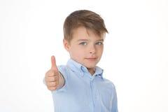 Kind sagt o.k. Stockbild