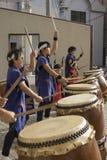 Kind-taiko, welches das Band gibt eine Leistung in Sasebo trommelt lizenzfreies stockbild