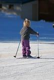 Kind tijdens de winter Royalty-vrije Stock Afbeeldingen