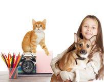 Kind und Haustiere Lizenzfreie Stockfotos