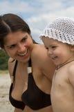 Kind und junge Frau Lizenzfreies Stockbild