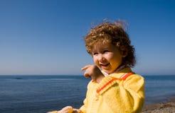 Kind und Meer Stockfoto