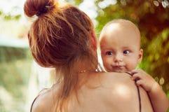 Kind und Mutter Lizenzfreie Stockbilder