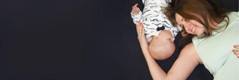Kind und Mutter Konzept der Kindheit familie Stockfotos