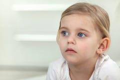 Kind vlak vóór bedtijd royalty-vrije stock foto's
