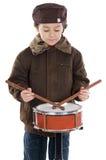 Kind, welches die Trommel spielt Lizenzfreie Stockfotografie