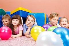 Kinder Lizenzfreie Stockfotos
