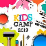 Kinder Art Camp 2019, Ausbildung, Kreativitätskunstkonzept Fahne oder Plakat mit weißem Hintergrund, Handgezogene Buchstaben lizenzfreie abbildung