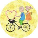 Kinder auf dem Fahrrad Lizenzfreies Stockfoto