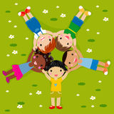 Kinder auf Gras vektor abbildung