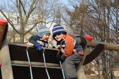 Kinder auf Spielplatz Lizenzfreie Stockfotografie