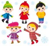 Kinder auf Winter Stockbild