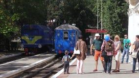 Kinder Bahn in Globa-Parkletztes Chkalov-Stadt Dnepropetrovsk stock footage