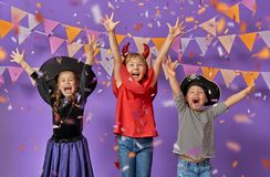 Kinder bei Halloween Stockfotografie