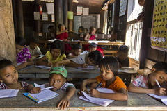 Kinder an der Schule Lizenzfreie Stockbilder