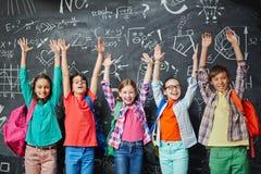 Kinder an der Schule Stockbilder