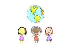 Kinder der verschiedenen Nationalitäten und der Erde Stockbilder