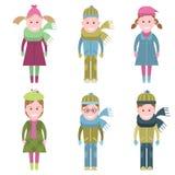 Kinder in der Winterkleidung Stockfotografie