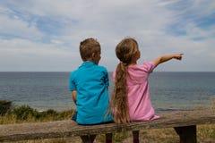 Kinder, die einen Bruch nehmen Lizenzfreies Stockfoto