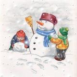 Kinder, die einen Schneemann bilden Stockfotografie