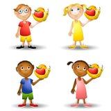 Kinder, die gesunde Nahrungsmittel 2 anhalten Stockfotografie