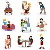 Kinder, die pädagogisches Material tun Stockbilder