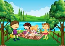Kinder, die Picknick durch den Fluss haben stock abbildung