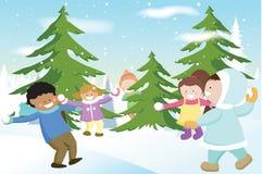 Kinder, die Schneebälle spielen Lizenzfreie Stockfotografie
