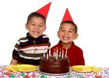 Kinder an einer Geburtstagsfeier Stockfotografie