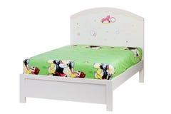 Kinder gehen getrennt auf Weiß, mit Ausschnittspfad zu Bett lizenzfreies stockbild