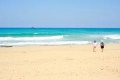 Kinder gehen zu schwimmen Lizenzfreies Stockfoto