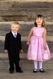 Kinder gekleidet in der fantastischen Abendtoilette stockfotografie