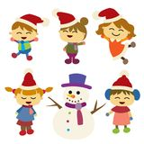 Kinder glücklich mit ihrem Geschenk Weihnachtshintergrund Design Lizenzfreies Stockfoto