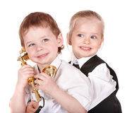 Kinder im Anzug mit Telefon. Stockfotografie