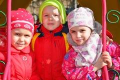 Kinder im Kindergarten lizenzfreie stockfotos
