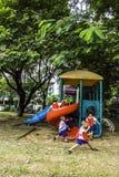 Kinder im playgruond Stockfotografie