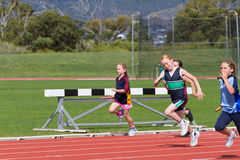 Kinder im Sportrennen Lizenzfreie Stockfotografie