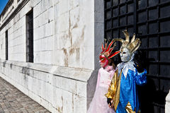 Kinder im venetianischen Kostüm Stockfotografie