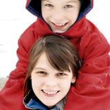 Kinder im Winter Stockfoto
