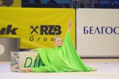 Kinder konkurrieren in der weltweiten Konkurrenz der Maugli-SCHALE in der Gymnastik Lizenzfreie Stockfotos