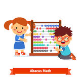 Kinder lernen Mathe stock abbildung