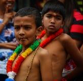 Kinder am perahara stockfoto