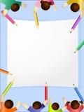 Kinder sind Fantasie-ansässige Farbe auf Weißbuch Lizenzfreie Stockfotografie