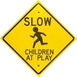 Kinder am Spiel-Zeichen rautenförmig Lizenzfreies Stockbild