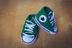 Kinder strickten Schuhstern lizenzfreie stockfotos