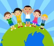 Kinder um Kugelholdinghände stock abbildung