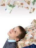 Kinder und Kasten mit Geld Lizenzfreies Stockbild