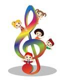 Kinder und Notenschlüsselmusik Stockbild